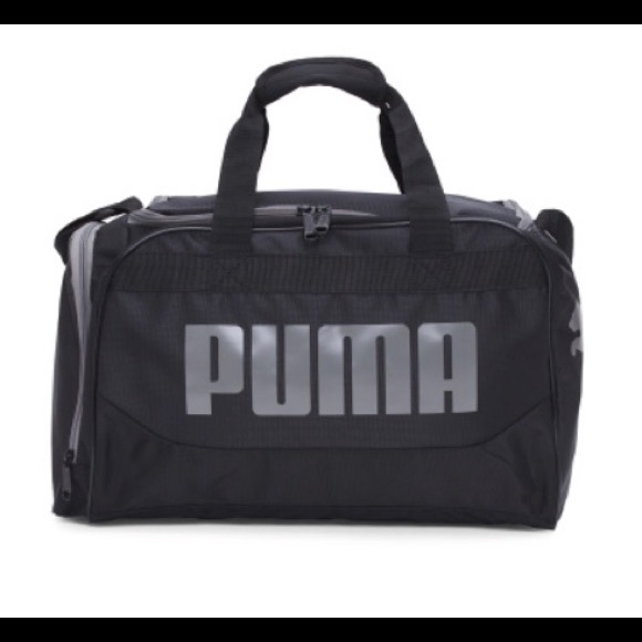 "cc04d76fab69 Puma 19"" Transformation Duffle Bag"